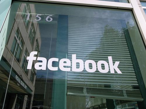 Comment le fisc taxe t-il Facebook et Google